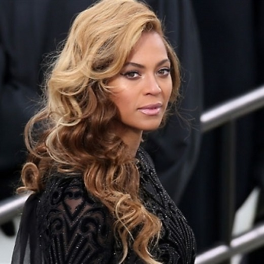 Beyoncé engaña a Obama y Kelly Clarkson ilumina con su pureza