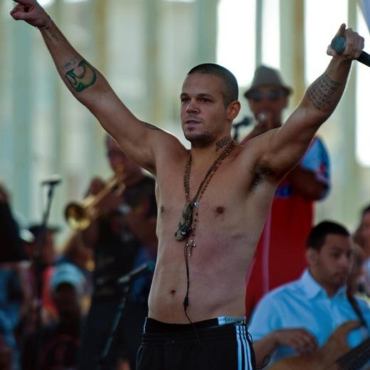 Entérate de las reacciones de artistas ante el deceso de Chávez