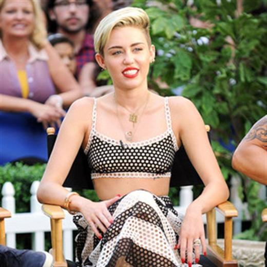 Miley Cyrus quiere llevar a Chris Brown tatuado en la piel.