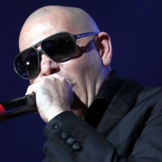 Pitbull hace una nueva 'Sopa de Caracol'
