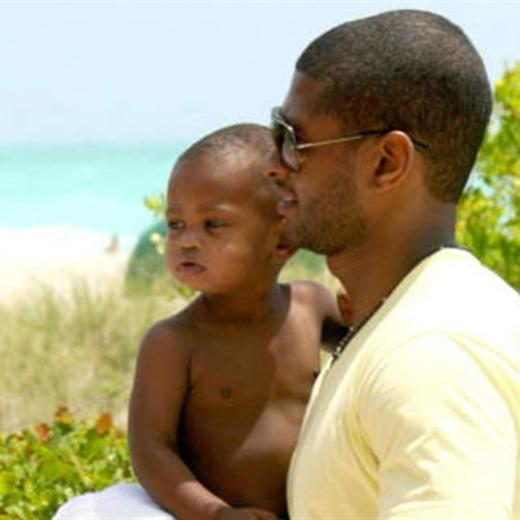 Hijo de Usher casi muere ahogado