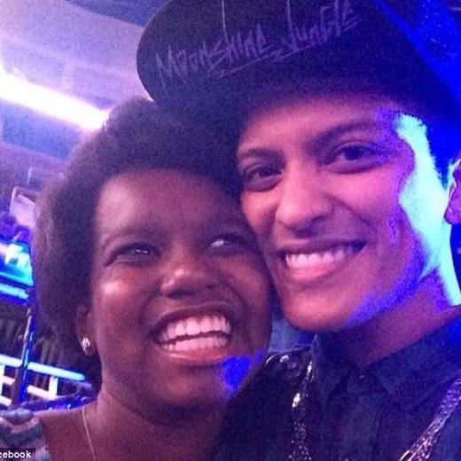 Bruno Mars salva a una niña