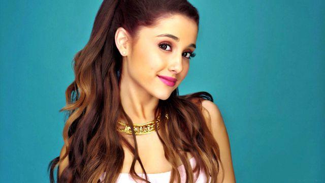 Ariana Grande lloró en espectáculo