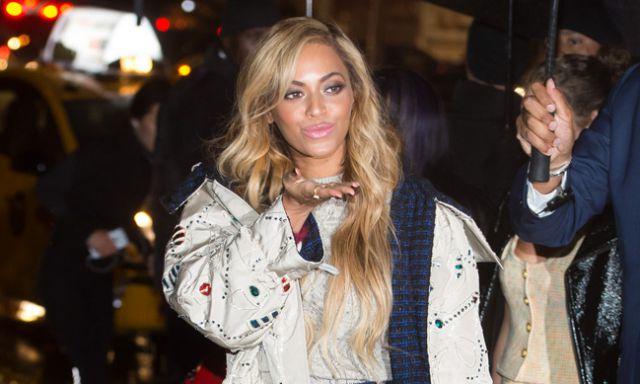 Beyoncé enamora con su larga melena