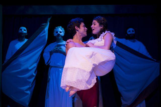 Romeo y Julieta revivirán su historia en el teatro