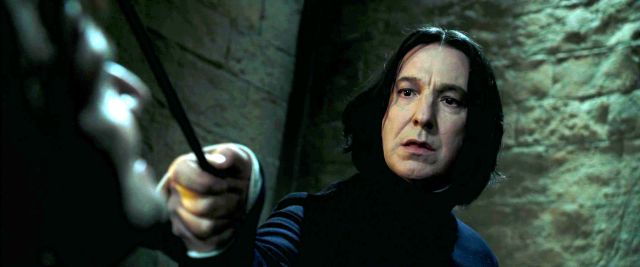 Howgarts alza su varita para darle el último adiós a Severus Snape