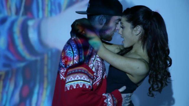 ¿Ariana Grande enamorada?
