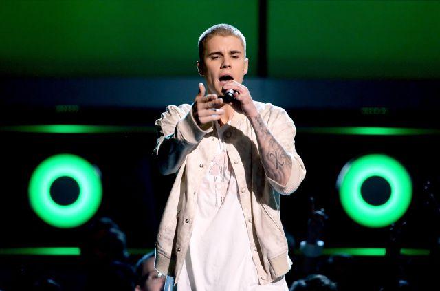 Mira el ridículo disfraz de Justin Bieber para que no lo reconocieran