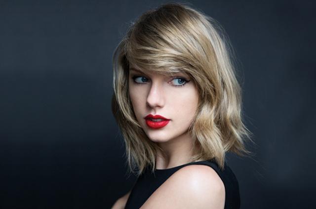 Taylor Swift celebra 10 años de carrera ¡Te contamos sus secretos!
