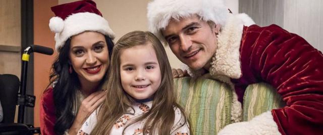 Orlando y Katy Claus alegraron la navidad del Hospital de Los Angeles