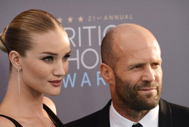 Rosie Huntington y Jason Statham esperan su primer hijo