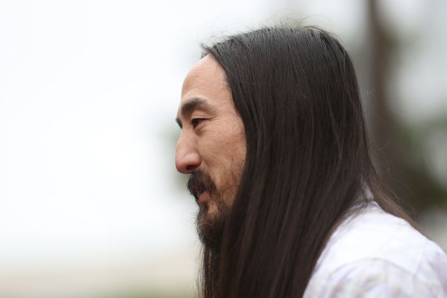 Documental revela la vida de Steve Aoki