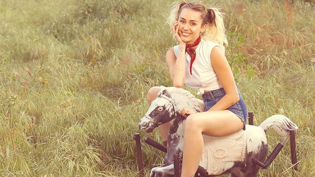 """Miley Cyrus lanza """"Malibu"""""""