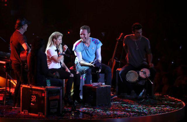 Chris Martin cantó en español