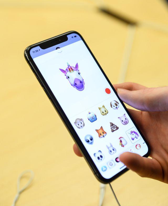 ¡What! Robaron 300 Iphone X antes de salir a la venta