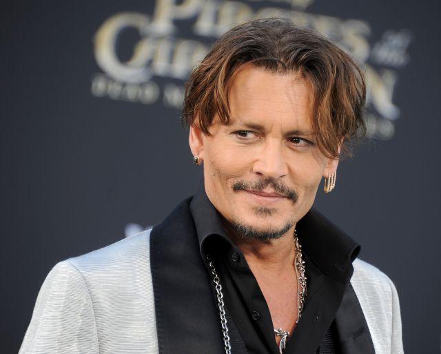 El trío de Johnny Depp que te dejará con la boca abierta