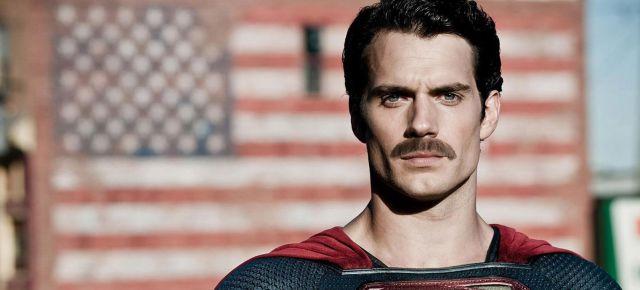 Los problemas causados por el bigote de Superman