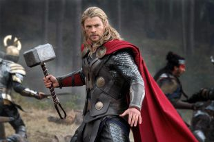 Chris Hemsworth confesó donde guarda el martillo de Thor