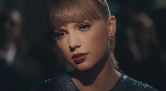 Taylor Swift fantasea con la invisibilidad en su nuevo video