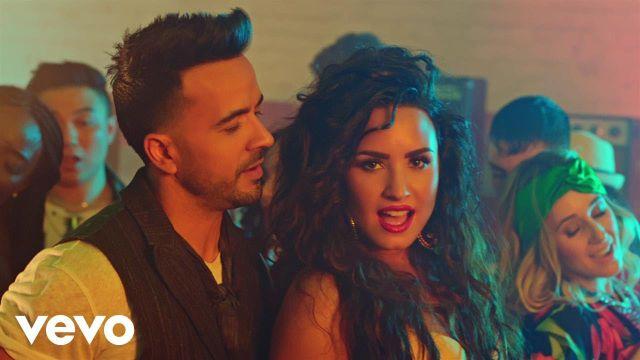 "Luis Fonsi y Demi Lovato cantan por primera vez ""Echame la Culpa"" en vivo"