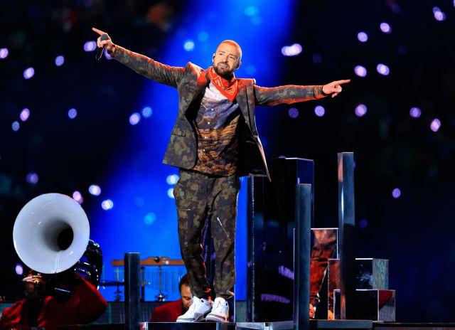 Justin Timberlake interrumpió su concierto para anunciar un embarazo