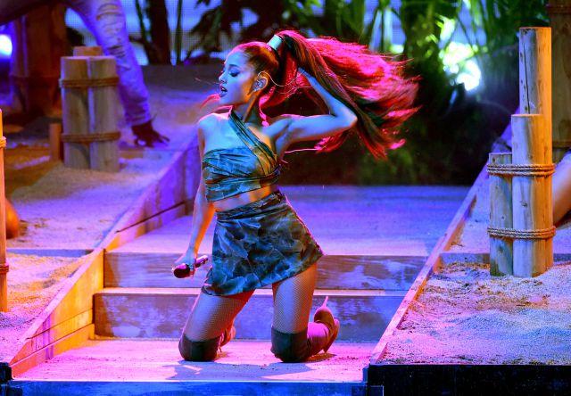 Ariana Grande desapareció de los escenarios y existen varias teorías al respecto