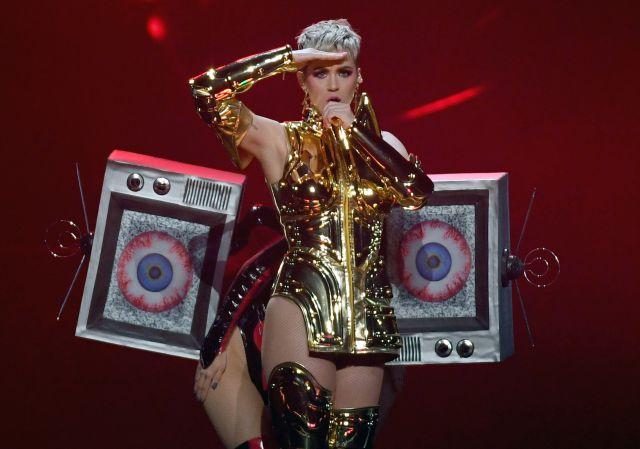 Katy Perry es criticada por sus padres en American Idol ¿Será una broma o una triste realidad?