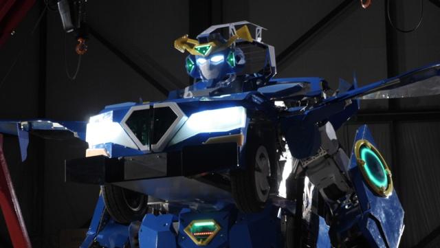 Crean un verdadero un transformer en Japón