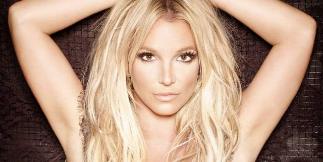 Britney Spears enseñó más de la cuenta por problema con su vestuario