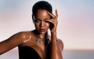 Se filtran fotos de Rihanna ¡Completamente desnuda!