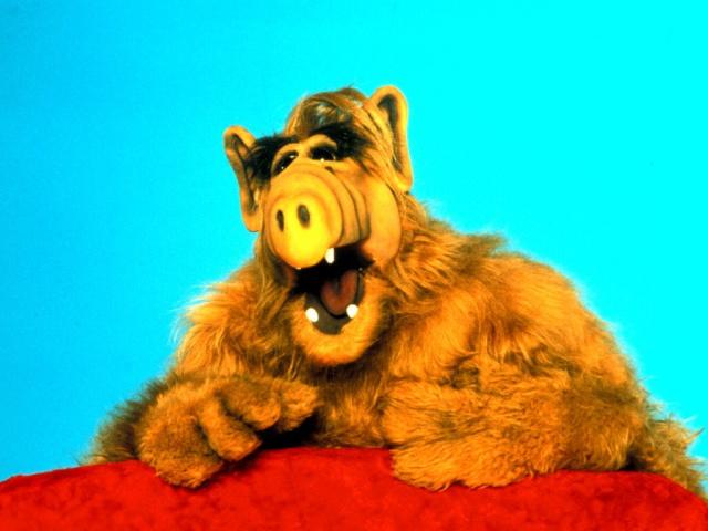 Escondan sus gatos ¡Alf está de regreso!