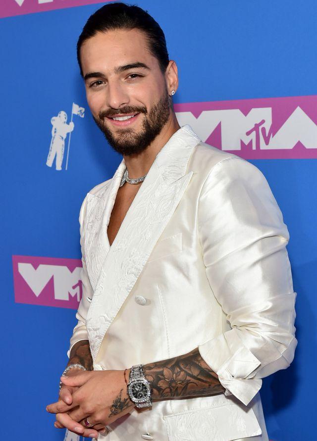 Maluma presume ser el primer latino en presentarse en los MTV VMA y Alejandro Sanz lo corrige