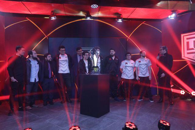 Equipo de eSports tico competirá en el Mundial de League Of Legends en Corea