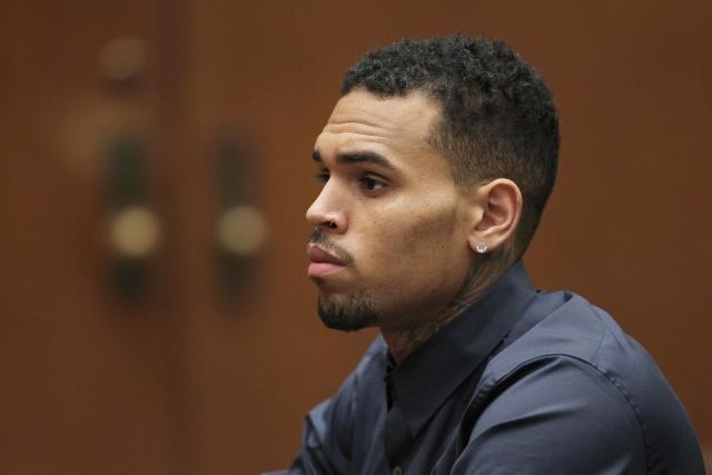 Ex novio de Rihanna fue arrestado por violación y liberado horas después