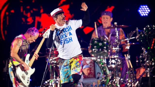 Red Hot Chili Peppers dará concierto en las pirámides de Giza