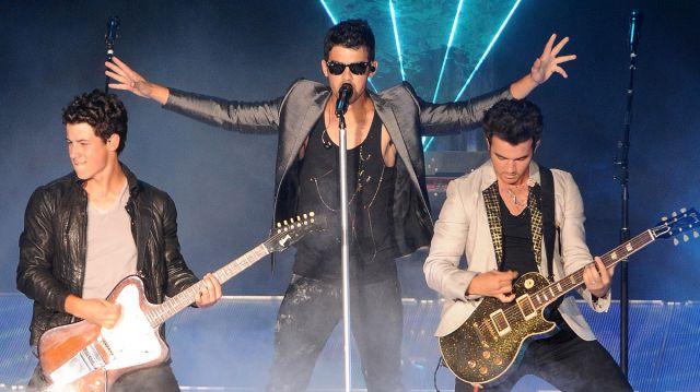 Los Jonas Brothers preparan su regreso a los escenarios