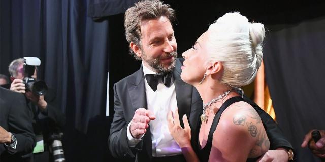 Ex esposa de Bradley Cooper revela supuesto romance del actor con Lady Gaga
