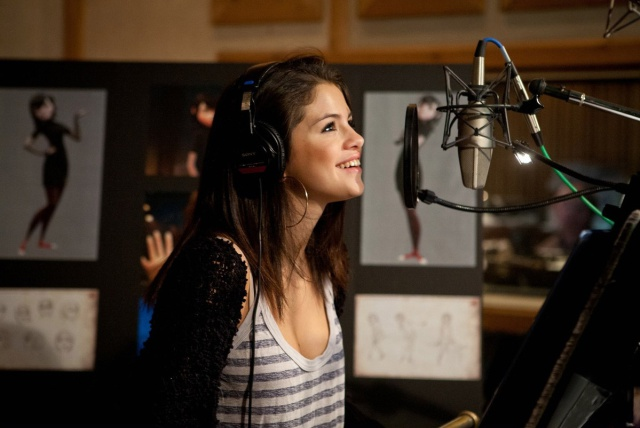 Selena Gómez sale de rehabilitación y entra al estudio de grabación