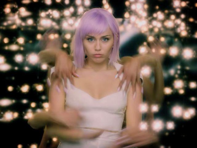 Miley Cyrus protagoniza el tráiler de la nueva temporada de Black Mirror