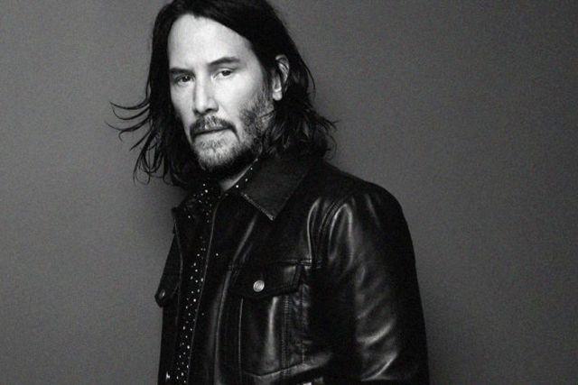 Keanu Reeves se convirtió en modelo a sus 54 años
