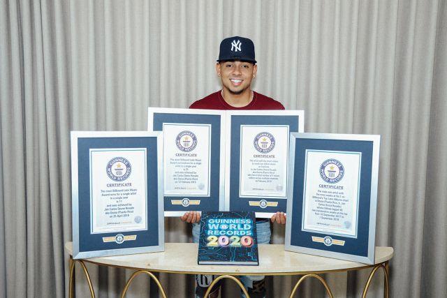 Ozuna recibe cuatro títulos de Récord Guinness por sus logros musicales