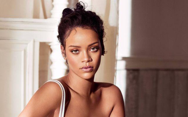 Rihanna lanza su autobiografía en octubre