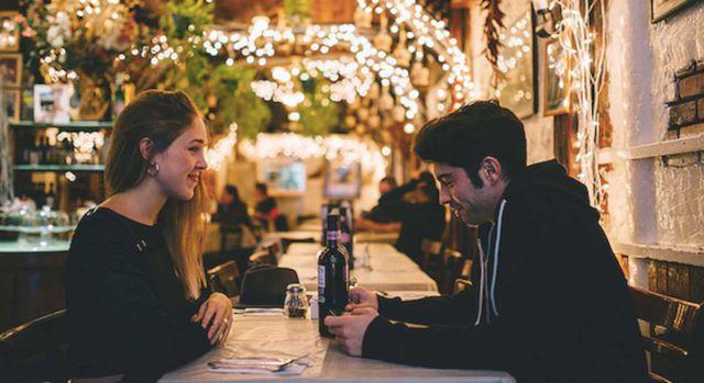 Estudio revela que parejas que se conocen através de Tinder son más estables