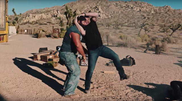 Stone Cold regresa a la acción en el más reciente video de Bad Bunny