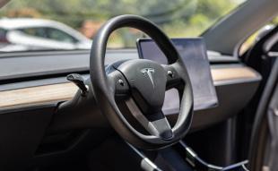 Llegan a Costa Rica los autos eléctricos que se conducen solos